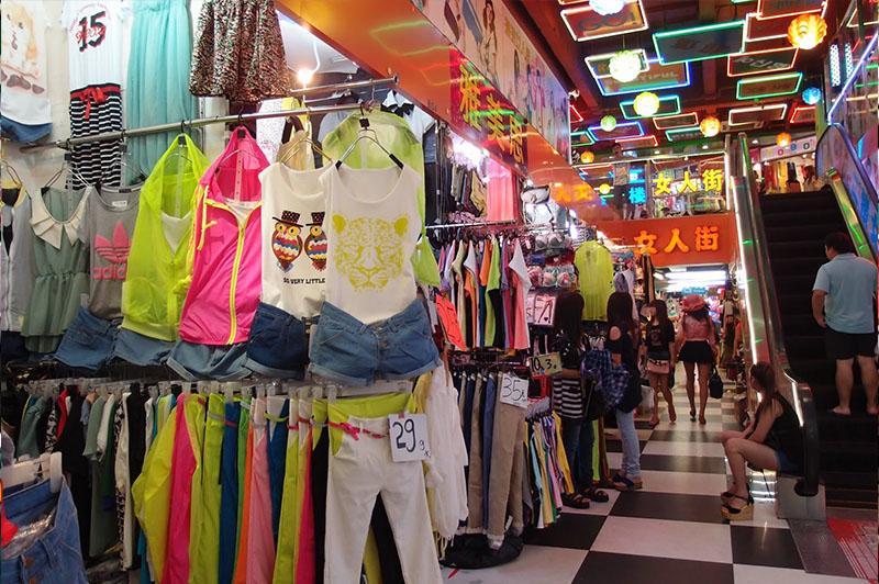 chợ thời trang quảng châu là nơi nhiều thương nhân Việt tham khảo nguồn hàng và đánh hàng về kinh doanh